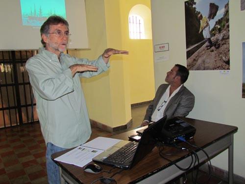 El investigador José Roberto Suárez, expone sobre parte de los naufragios ocurridos en el mundo.