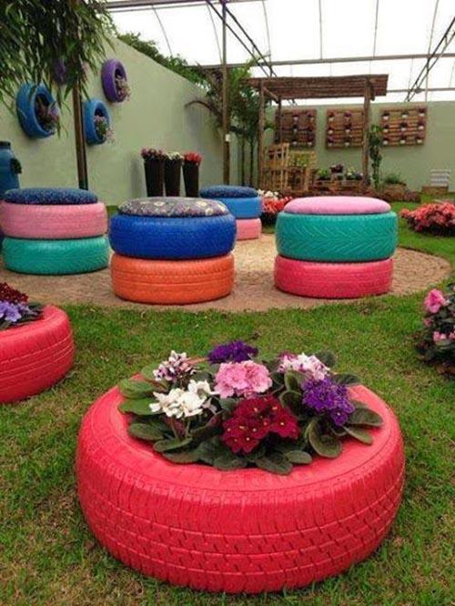 Maceteros y asientos hechos con neum ticos for Ideas para jardin reciclado