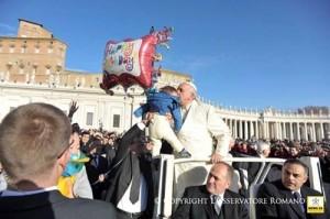Papa_Francisco_pobres_de_Roma