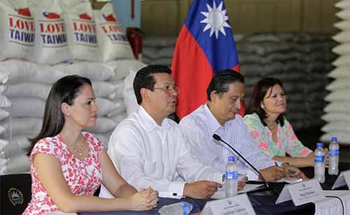 Taiwán dona arroz a El Salvador