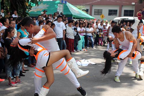 El baile juvenil que siempre está presente.
