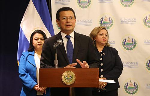 Varela preside reunión del SICA en Chile