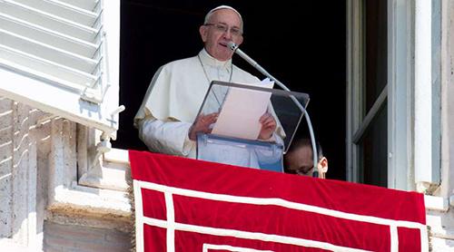 El Papa Francisco envió mensaje a los feligreses para recibir el 2018