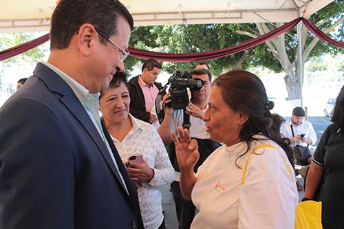 Termina con el estatus de protección temporal para El Salvador