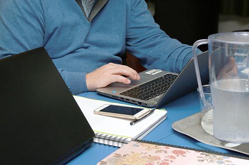 Oficina en casa, una realidad a adaptarse por parte de construcciones