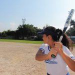 atleta del béisbol femenino, en entrenamiento. Ya se inició la fase III para retorno deportivo